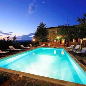 Agriturismo colle del sole piscina e giardino casa padronale